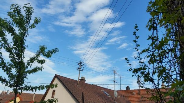 090 Chemtrails über Enzberg 18.30 Uhr 09.05.16