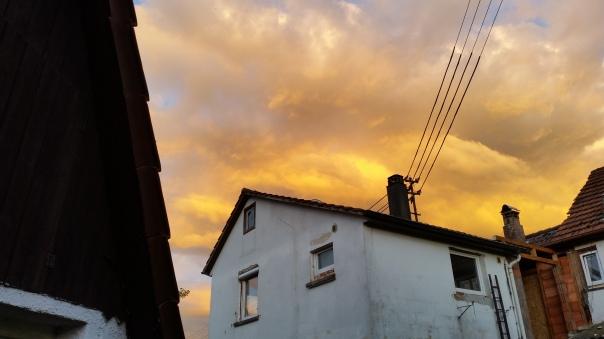 081 Schwefelfarbige Wolken über Enzberg 31.05.16 um 21.11 Uhr
