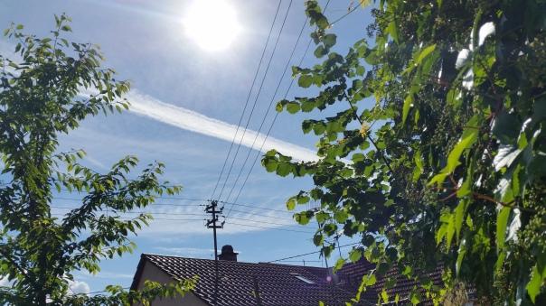 010 Himmel über Enzberg Chemtrails am 27.06.16